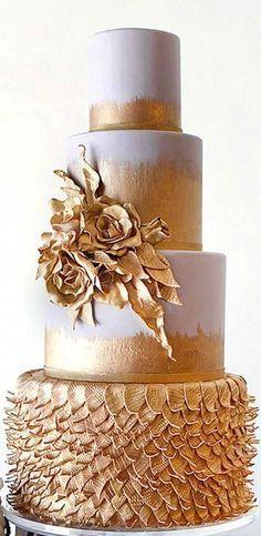 Mini Wedding Cakes, Wedding Cake Rustic, Elegant Wedding Cakes, Elegant Cakes, Beautiful Wedding Cakes, Wedding Cake Designs, Beautiful Cakes, Burgundy Wedding Cake, Gold Wedding