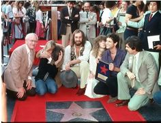 check out Stevie's fake kiss on Lindz's cheek when Fleetwood Mac received their star on the Hollywood Walk of Fame in 1979; poor Stevie ~ ☆♥❤♥☆ ~ had to play nice with Lindz in public, given what had happened between them in the past few years