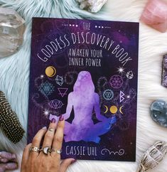 The Goddess Discovery Book is here to give you tools to help you awaken and connect to the power of your inner Goddess. Overflowing with knowledge and tools to help you tune in to your inner power and start your spiritual journey inward. The details ☾ Creative Mother's Day Gifts, Astrology Books, Oracle Cards, Book Of Shadows, Spiritual Awakening, Wiccan, Book Nooks, The Book, Discovery