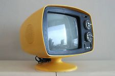 Philco Vintage Tv, Vintage Dishes, Vintage Pottery, Televisions, Box Tv, Colour Board, Space Age, Retro Home, Art Furniture