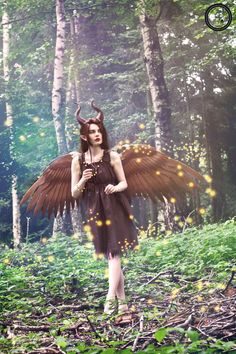Child Maleficent Cosplay http://geekxgirls.com/article.php?ID=5421