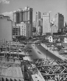 1947-Construção do Viaduto 9 de Julho- Visão da Bela Vista Sentido Pça Bandeira