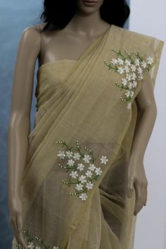 Supreme Best Stitches In Embroidery Ideas. Spectacular Best Stitches In Embroidery Ideas. Hand Embroidery Design Patterns, Saree Embroidery Design, Hand Embroidery Dress, Designer Blouse Patterns, Dress Patterns, Embroidered Blouse, Ribbon Embroidery, Embroidery Ideas, Embroidery Stitches