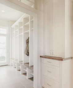 That's what I call a nice clean mud room! It sure wouldn't look like this in our house - I got way too many shoes and jackets 😬 repost from Veranda Interiors, Coat Storage, Front Hallway, White Cabinets, Entryway Decor, Entry Foyer, Built Ins, Mudroom, Farmhouse Decor