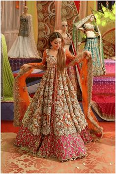Most current Photos Benita David Beautiful And Fancy Dresses Collection 2019 - Thoughts Vandana Puthanveettil posseses an detailed Pastime: she is a part-time solo dancer. Asian Bridal Dresses, Desi Wedding Dresses, Asian Wedding Dress, Pakistani Wedding Outfits, Indian Bridal Outfits, Indian Dresses, Bridal Mehndi Dresses, Bridal Gown, Indian Bridal Lehenga