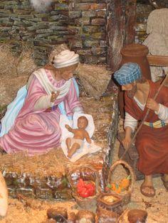 """Puedes visitar hasta el domingo 13 de Enero de 2013 el Belén Bíblico de la Milagrosa en Chamberí, en la sede en la Parroquia-Basílica de La Milagrosa en la calle García de Paredes, 45, para que visiteís el """"Belén Bíblico"""" que hemos montado este año en el salón de actos. El horario es de 10:30 a 13:30 y de 18:00 a 20:30 horas."""