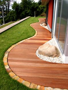 Beautiful edging idea and walkway design