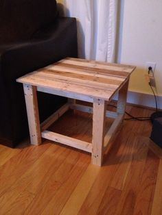 End table with pallet boards.