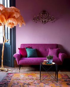 Lilac Wall: Design Ideas for aunderestimated colour. Lilac Wall: Design Ideas for aunderestimated colour. Interior Decoration Trends … Lilac Wall: Design Ideas for aunderestimated colour. Purple Rooms, Purple Walls, Plum Walls, Deco Design, Wall Design, House Design, Funky Design, Sofa Design, Modern Design