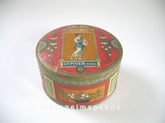 Pompeia Poudre by L. T. Piver of Paris. Vintage powder box. From VintageImageBox
