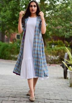 Classic Combo Set is part of Jacket style kurti - Cotton Dress Indian, Dress Indian Style, Cotton Dresses, Indian Designer Outfits, Indian Outfits, Designer Dresses, Casual Frocks, Casual Dresses, Kurta Designs Women