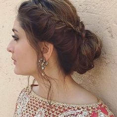 Hairstyle is a very important part of your whole look. Here we have pictures of Most Beautiful Engagement Hairstyles, Have a look to all of them. Lehenga Hairstyles, Indian Wedding Hairstyles, Hairstyles Haircuts, Braided Hairstyles, Indian Hairstyles For Saree, Kareena Kapoor Hairstyles, Ethnic Hairstyles, Latest Hairstyles, Engagement Hairstyles
