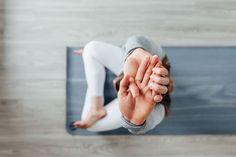 Yoga Images, Yoga Pictures, Pilates, Foto Yoga, Beautiful Yoga Poses, Namaste, Easy Yoga Poses, Easy Stretches, Yoga Art
