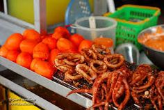 Deep Fried: Kwek-kwek (Quail eggs), squid rings and squid tentacles Pinoy Street Food, Quail Eggs, Sausage, Fries, Squid Tentacles, Meat, Vegetables, Ethnic Recipes, Manila