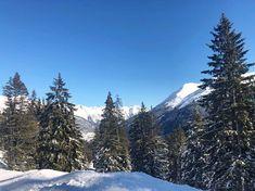 Благодаря своей изумительно красивой природе, гарантированному снегу по всей территории в зимний сезон и отличным горнолыжным трассам, Санкт-Антон-ам-Арльберг пользуется большой популярностью среди любителей зимнего отдыха🎿 305 км горнолыжных трасс, 88 современных подъемников, тысячи и тысячи туристов... А повернешь голову в другую сторону - тишина и спокойствие😍 Mount Rainier, Mountains, Nature, Travel, Voyage, Viajes, Traveling, The Great Outdoors, Trips