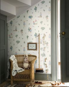 The Lingonberry Girls, Blueberry Boys, Blueberry King and Putte are nostalgia-filled motifs by Elsa Beskow that have now been transformed into a wallpaper for children's rooms. Elsa Beskow, Neutral Bedroom Decor, Shared Rooms, Bedroom Color Schemes, Kid Spaces, Scandinavian Design, Scandinavian Interiors, Kids Bedroom, Designer