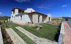 Sardegna Budoni Alta. Villetta trilocale con ampio giardino. Per dettagli www.orizzontecasasardegna.com  #budoni #sardegna #immobiliare #vendita #villetta