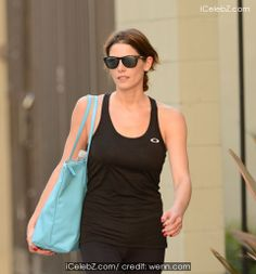 Ashley Greene leaves her gym in her lycra sportswear and is stopped by a driver in a passing car to sign autographs http://www.icelebz.com/events/ashley_greene_leaves_her_gym_in_her_lycra_sportswear_and_is_stopped_by_a_driver_in_a_passing_car_to_sign_autographs/photo2.html
