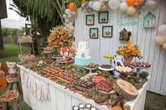 Olha como ficou linda esta decoração para Festa Bosque. Decoração Tati Ferraz Decor. Lindas ideias e muita inspiração! Bjs, Fabiola Teles. ...