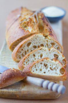 """Un """"Flo"""" de bonnes choses » Pain à la semoule, au levain Pan Bread, Yeast Bread, Sourdough Bread, Empanadas, Pain Au Levain, A Moveable Feast, Brioche Bread, Bread And Pastries, Beignets"""