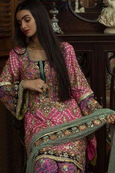 Pakistani Fancy Dresses, Pakistani Wedding Dresses, Pakistani Outfits, Wedding Party Dresses, Indian Dresses, Pakistani Clothing, Indian Suits, Dress Party, Stylish Dresses For Girls