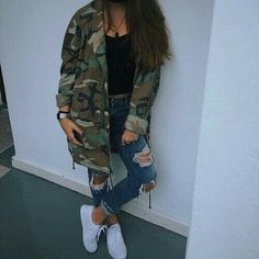 13 Boyish Outfit Ideas for Women - New Hair Styles Mode Outfits, Trendy Outfits, Fashion Outfits, Ootd Fashion, Fall Winter Outfits, Summer Outfits, Camouflage Jacket, Camoflauge Jacket Outfit, Mein Style