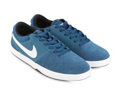 Rabona by NIKE. Sneakers modern design with a premium look. Collection featuring suede detail and swoosh logo in the middle. Using suede as material with blue and white color. Details stitching with front strap and synthetic Insole also rubber outsole. http://www.zocko.com/z/JJ7de