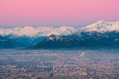 Zona rosa... la luce dell'alba sopra le Alpi innevate (Torino, la Valsusa ed il Rocciamelone, da Superga) ---------- 📸 Fulvio Giorgi #myvalsusa #fotodelgiorno 1816 - 20 dicembre 2020 Torino, Superga, Mount Everest, Mountains, Travel, Viajes, Destinations, Traveling, Trips