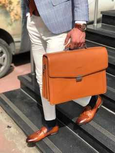 The Maxwell Brown Leather Briefcase is made with leather. This handmade briefcase is especially design to make you look more stylish and dope. Briefcase For Men, Leather Briefcase, Types Of Handbags, Men Accesories, Vintage Cigarette Case, Laptop Bag, Tan Leather, Messenger Bag, Satchel
