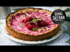 How to make... Raspberry Goddess Pie... - YouTube