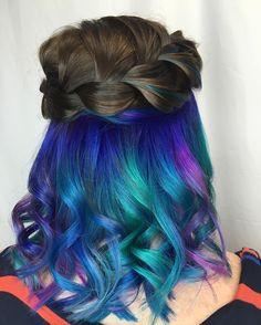 Secret Rainbow, la moda de llevar pelos multicolor de una manera diferente