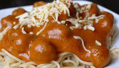 Spaghettisaus met balletjes gehakt Pretzel Bites, Chicken Wings, Macaroni, Slow Cooker, Bread, Ethnic Recipes, Food, Macaroons, Healthy Slow Cooker