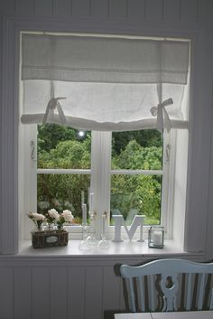 roll-up curtain idea