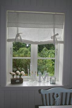 roll-up curtain idea