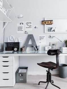 The home office can be arranged anywhere, depends on your fantasy. Home office can be both conservative and ultra-modern, if you wish to transform into Home Office Space, Home Office Design, Home Office Decor, House Design, Home Decor, Office Ideas, Office Designs, Desk Space, Loft Design