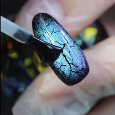 cat eye nails You can create very unique designs with these magnets, all you need is creativity! Nail Design Glitter, Glitter Nail Art, Gel Nail Art, Nail Art Diy, Nail Art Designs Videos, Nail Art Videos, Diy Nail Designs, Cat Eye Nails Polish, Chrome Nails Designs