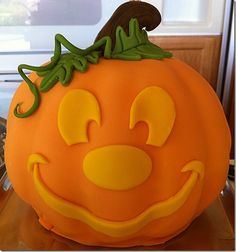 Disney Halloween Cakes | Mickey's Not So Scary Halloween Cake