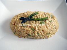 dal mio blog: risotto agli asparagi e uova     http://www.lacucinadipaolabrunetti.blogspot.it/2012/03/risotto-con-asparagi-e-uova-forma-di.html