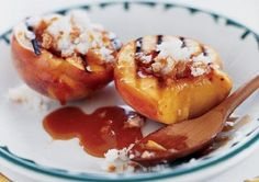 Who says you can't grill dessert? Try these Grilled Peaches with Macaroons and Caramel Sauce