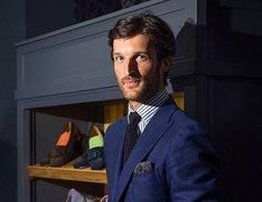 Rafael Medina, el hijo mayor de Nati Abascal abandona la marca #Scalpers, fundada por él y dos amigos en el 2007. Ahora ficha por el grupo #Inditex, donde ejercerá el cargo de Director del área de diseño de sastrería de la firma #MassimoDutti. #lesdoitmagazine