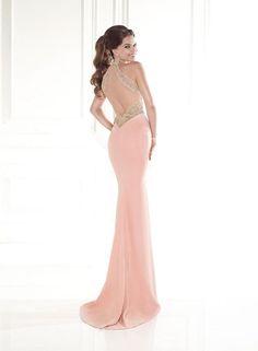 pudrové sexy upnuté společenské šaty na ples - plesové šaty 6c437233e3