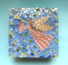 Mosaic in the top of a wood box. By Lucano Mosaico.