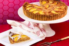 I loves summer fruits, and nectarines and macadamias make good friends. Based on a frangipane tart, macadam. Frangipane Tart, Delicious Desserts, Yummy Food, Stone Fruit, Coconut Recipes, Summer Fruit, Christmas Desserts, Tray Bakes, Dishes