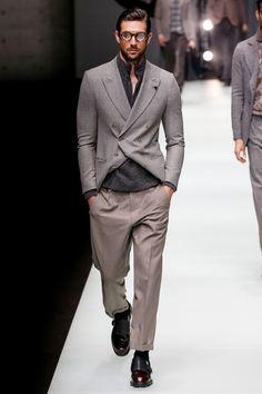 See the complete Giorgio Armani Fall 2018 Menswear collection.