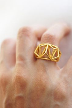 printer design printer projects printer diy Jewellery Jewellery Geometric Prism Cage Printed Ring Polished Gold by DaniMakes- FINALLY A. Minimal Jewelry, Modern Jewelry, Jewelry Art, Jewelry Accessories, Jewelry Design, Diy Jewellery, 3d Printed Jewelry, Geometric Jewelry, Fashion Rings