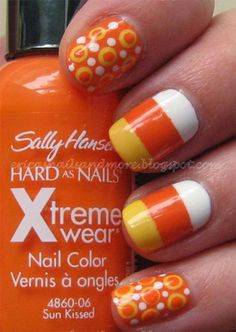 I am unfolding before you 15 + Halloween candy corn nail art designs, ideas, trends & stickers of Fancy Nails, Love Nails, Diy Nails, Pretty Nails, Halloween Nail Designs, Halloween Nail Art, Halloween Candy, Easy Halloween, Halloween Costumes