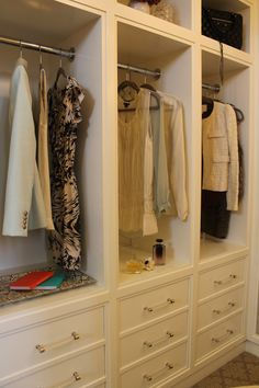 "This goes in my walk-in closet! ""Material Girls: Paola Salinas - Amazing walk-in closet design with white built-in closet cabinets with LUCITE hardware! Walk In Closet Design, Closet Designs, Master Bedroom Closet, Bedroom Closets, Bedrooms, Master Suite, Bedroom Wall, Master Bath, Creation Deco"