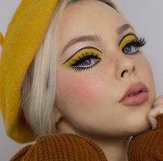 makeup trends The Cruelty-Free Makeup Brand You've Completely Underestimated Yellow Makeup, Pink Makeup, Makeup Eyes, Star Makeup, Small Eyes Makeup, Burgundy Makeup, Under Eye Makeup, Flower Makeup, Silver Makeup