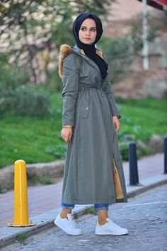 """Touche Parka - Touche Parka Dimensions: Height: Bust: Waist: Model length: Model size: 36 The product size is for 36 sizes. There is an average cm"""" difference between the sizes. Islamic Fashion, Muslim Fashion, Hijab Fashion, Fashion Outfits, Fasion, Hijab Outfit, Hijab Dress Party, Hijab Elegante, Hijab Chic"""