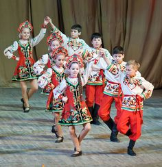 Little Russian dansers